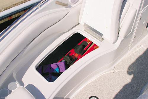 Crownline Deck Boat 240 EX