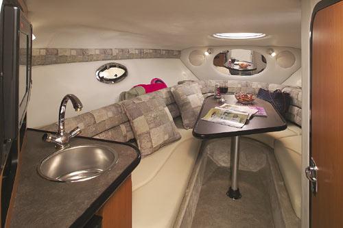 Crownline Cuddy Cabin 275 CCR